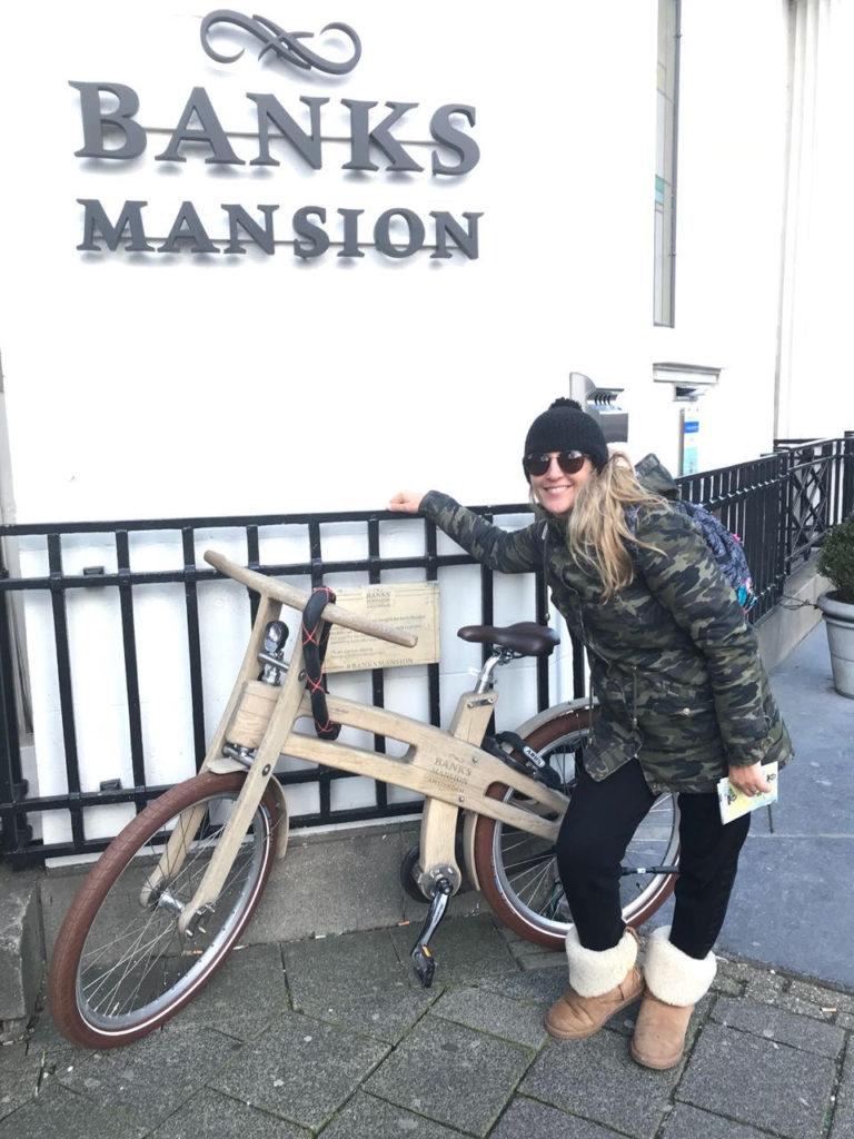 bicicletas de madera y bambu
