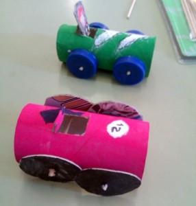 coches-con-rollos-de-papel_thumb
