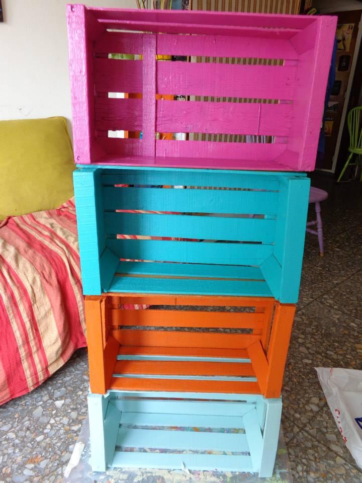 Con tus manos muebles reciclados con cajones de verduras for Muebles con cajones de madera