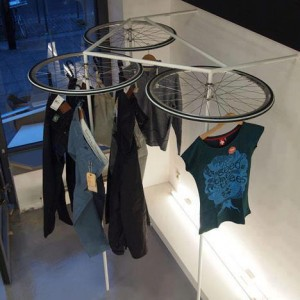 03ruedas-bicicleta-ropa
