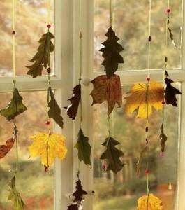 Cortina con hojas secas reutilizadas
