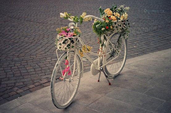 Bicicleta reciclada para ambientación reciclada