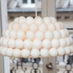 Lámparas recicladas con pelotas de Ping Pong