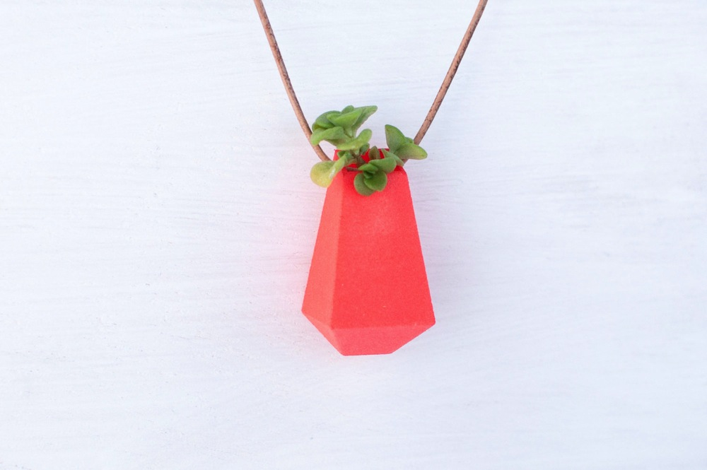 Wearable-Planter-Alternopolis-5