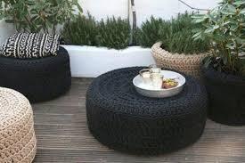 mesas de neumáticos reciclados
