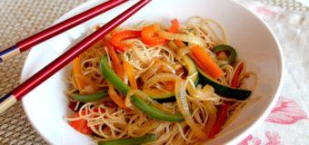 Recetas Vegetarianas: Fideos de Arroz con Verduras Salteadas